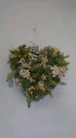 Dried flower hearts